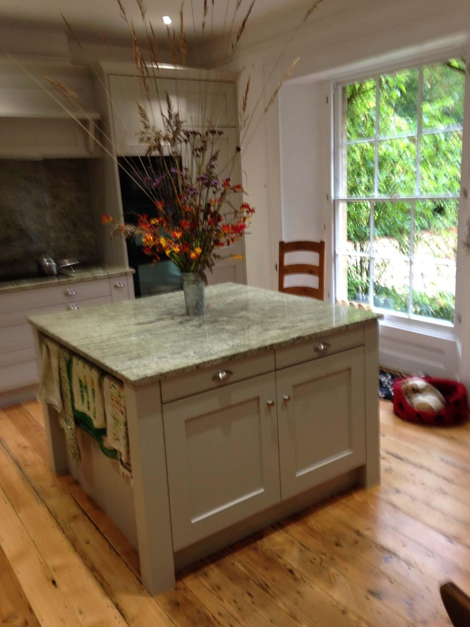 Kitchen island with marble worktop